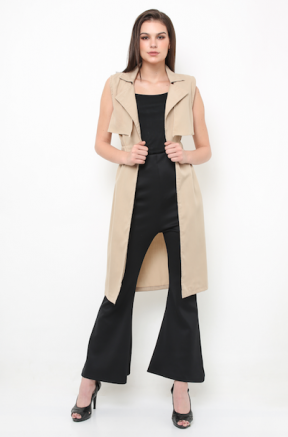 Harper trench vest in beige